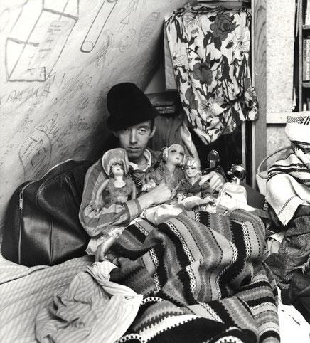Taylor Mead in Paris circa 1967, by Shunk Kender