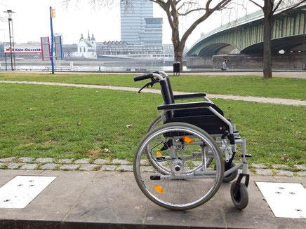 Rollstuhl der Radstation Köln
