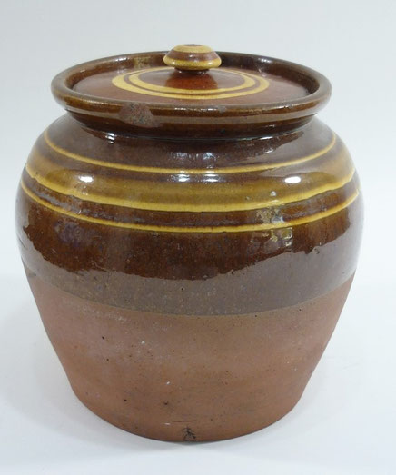 Buckley folk art slipware pot and cover
