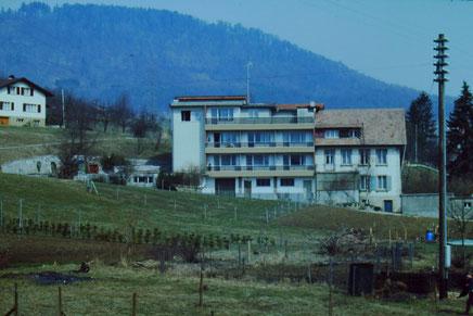 Obere Gasse: Das Bauernhaus der Familie Uebelmann-End wurde in den 1970er-Jahren stark verändert.  Foto: Ch. Benz, um 1980