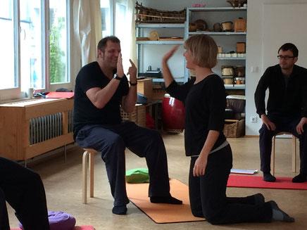 Bild: Abklatschen beim Training