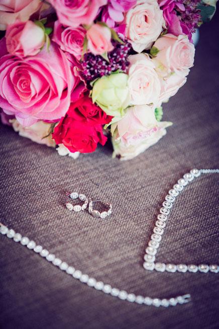 Brautschmuck einer Hochzeitszeremonie von Carola Bischoff