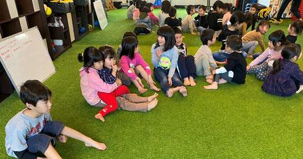 あいさつ | 大阪で一番楽しい子供英会話と体操教室 | 天満橋(南森町)、新大阪、古川橋(門真)の幼児、子供の英語教室とフィットネスジム