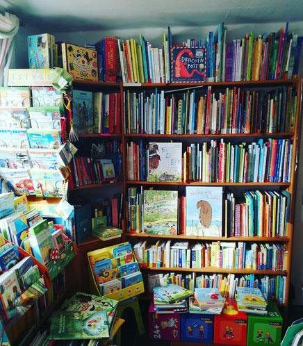 #llhältzusammen #buylocal #supportlocal #buchhandlungritzau #jetzteinbuch #bookstagram #instabooks #kinderbuch #beschäftigungfürkinder #stayathomereadabook