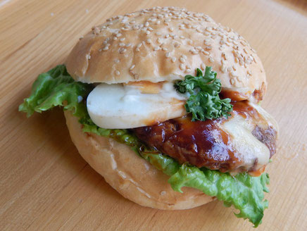 横浜 中区 末吉町 パン工房 カメヤ 手作りハンバーグのバーガー