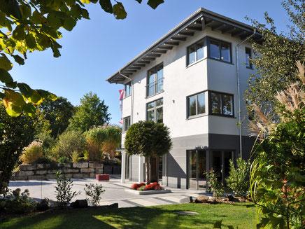 Blick auf unser 2011 errichtetes Geschäftshaus.