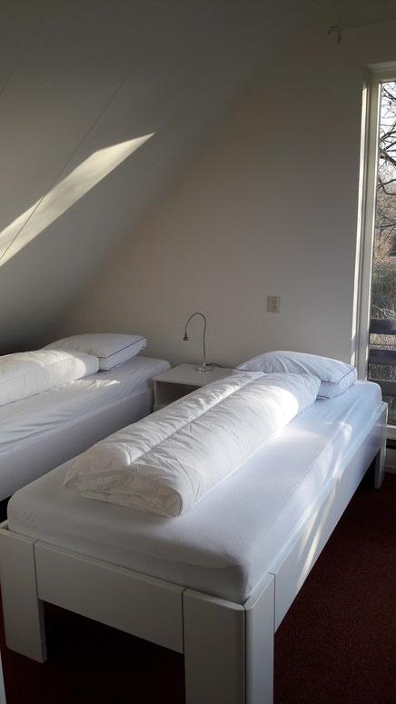 2. Schlafzimmer OG mit 2 Betten à 90 x200m