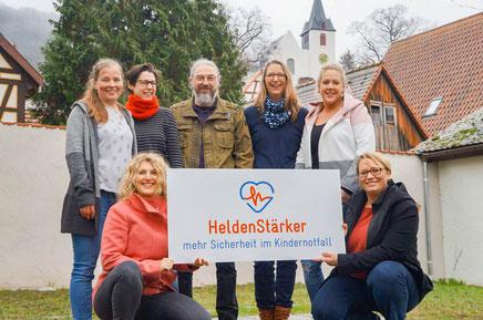 Team HeldenStärker - wir Schulen Rettungskräfte für den Kindernotfall