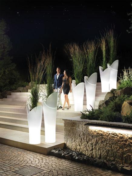 lyxo beleuchtetet vasen für hotels restaurant garten