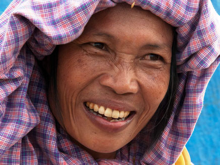Vrolijke lokale bevolking op Sumatra Indonesie