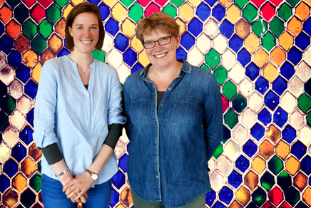 Vlnr : Emsi Hansen-Couturier en Jasja Nottelman