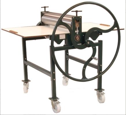 Druckpresse JSV-80 mit Schwungrad und Untergestell