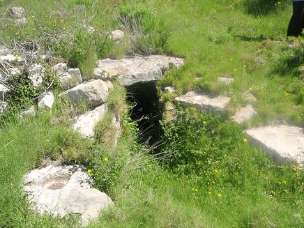 """Los aljubs """"aljibes"""" son depósitos que recogen las aguas de la lluvia."""