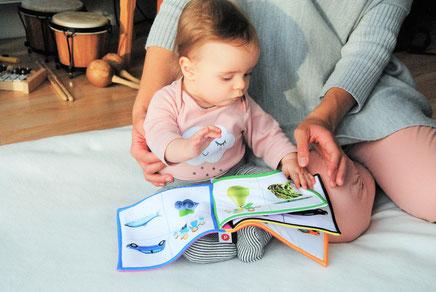 Mama, Kind, lesen, Erziehung, Beziehung, Eltern, Zeit, Spiritualität, Gemeinsamkeit, Leben