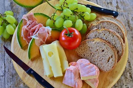 Algarve Magazin presentiert frische Vorspeisen an der Algarve,wurst,Aufstich ou was Gnackiges auf das Brot oder an den salat.