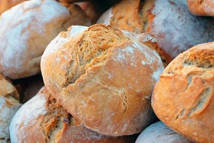 Algarve Magazin presentiert frisches Brot an der Algarve,Portugal perfekt für die was fürs Frühstück,Abend Essen oder petiscos brauchen.