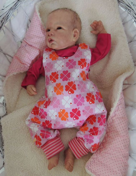 Früchenkleidung, Erstausstattung,Babykleider, Strampler. Frühgeburt
