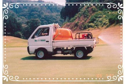 【楽輪】ラジアルタイヤ8本八輪型 グリーン上で散布