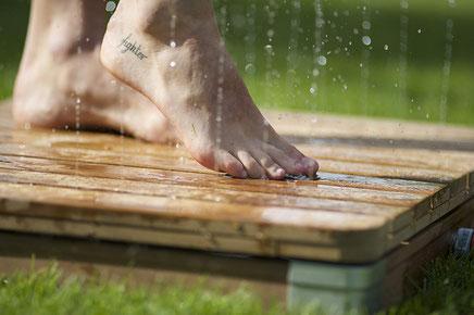 doccia #esterno #giardino #legno #WPC #getto #verticale