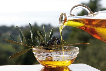 Bild: Olivenöl - flüssiges Gold veredelt jedes Gericht