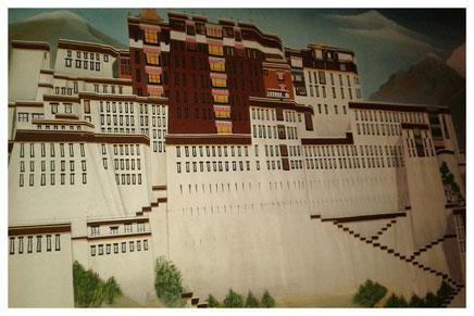 Der Potala - Wandmalerei im Little Tibet, Gneisenaustraße 6A, 10961 Berlin