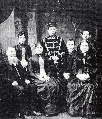 Familie Müller - Carl etwa 10jährig hinten rechts