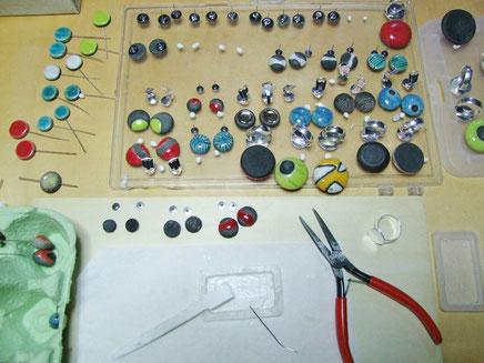atelier de création de bijoux en cérramique raku. chloé bercovici