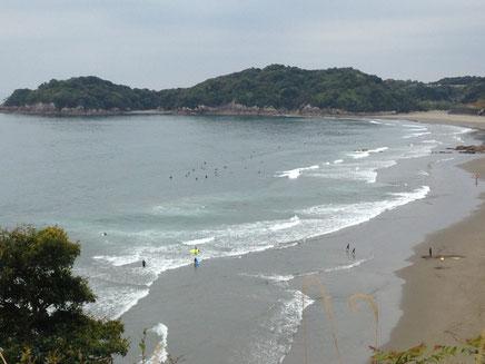 サーフィンのメッカ・生見海岸