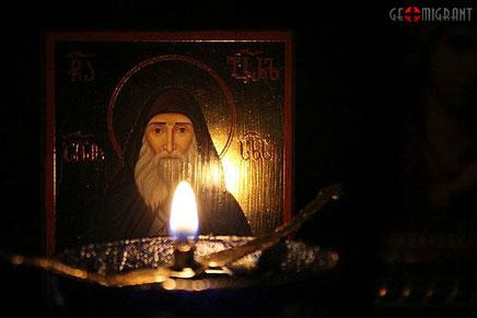 В одном из церковных магазинов Тбилиси мироточит фотография святого старца Габриэла