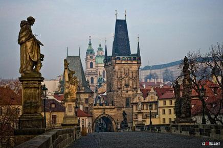 Иностранцам платят за выезд из Чехии