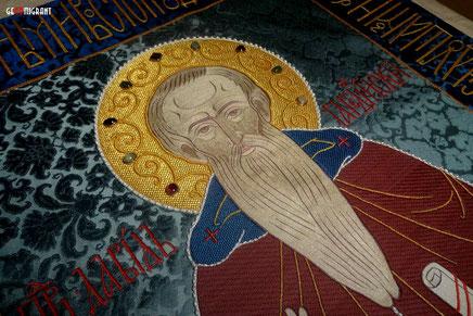 В московском храме вышили покров на гробницу великого Грузинского святого Давида Гареджийского