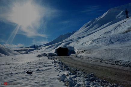 Грузия закрыла дорогу в Россию