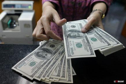 В обменниках Тбилиси приостановлена продажа доллара