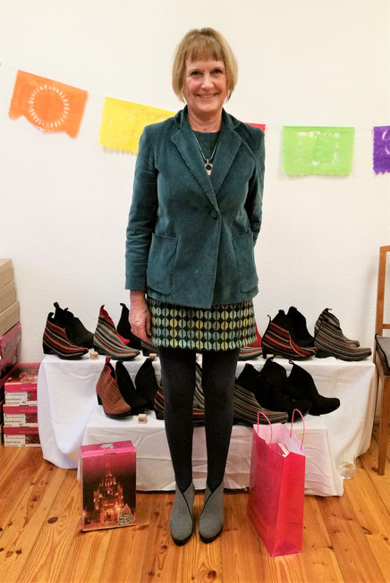 Schuhparty von San Miguel Shoes  in Berlin -  Boot Fiji in black-white-stripes