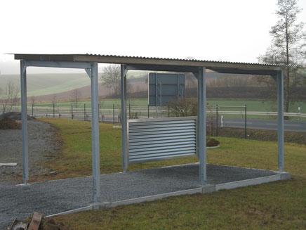 Ihr Stahlbau Partner: Carport aus einer feuerverzinkten Stahlkonstruktion im Raum Würzburg, Aschaffenburg, Schweinfurt, Lohr und Marktheidenfeld