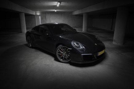 Porsche 991 Carrera S 2016 in parkeergarage Eindhoven