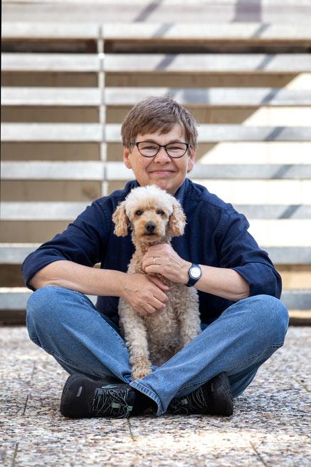 Hundetrainerin Annkatrin Buck mit Hund Dana Geesthacht