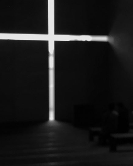 原寸で再現された安藤忠雄『光の教会』内部