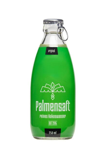Palmensaft reines Kokoswasser kaufen in der Glasflasche