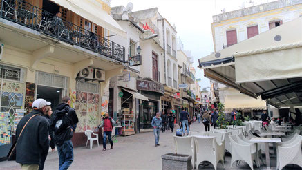 タンジェ旧市街 歩いて観光します