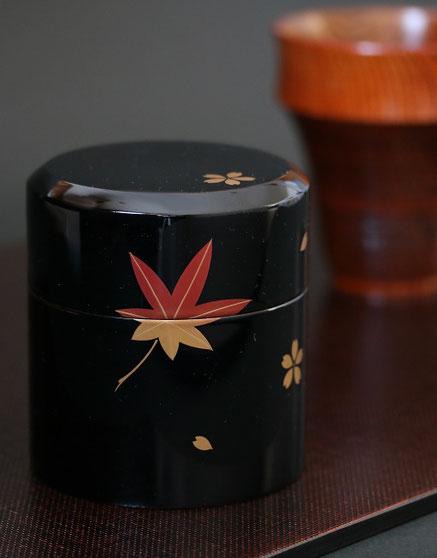 山中塗 うるし塗 漆塗 茶筒 黒春秋蒔絵 木製 水目桜