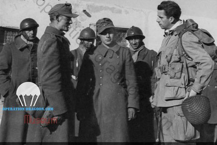 Colonel William Yorborough, interogate german prisoners with french soldiers . North Africa.