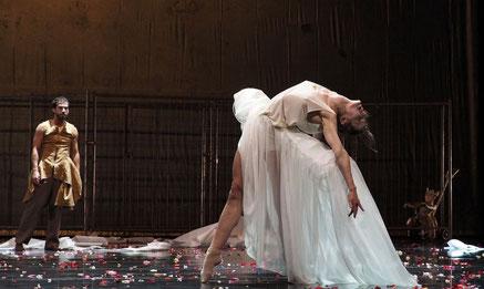 Pearl, Dancers: Bryndis Brynjolfsdottir, Alexandre Jolicoeur, Photographer: H. Gerritsen, 2014