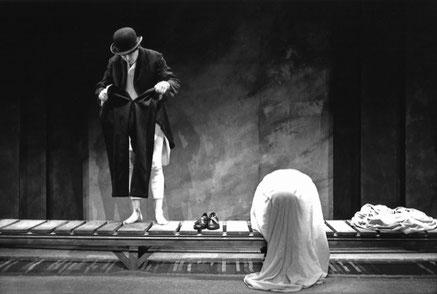 Comédie... Catastrophe d'après Samuel Beckett, 1990 © Tristan Jeanne-Valès