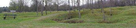 Panorama - Das Ouvrage und die Kraterlandschaft