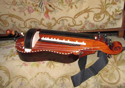 Vielle baroque ; copie d'une vielle Georges Louvet - luthier : Denis Siorat