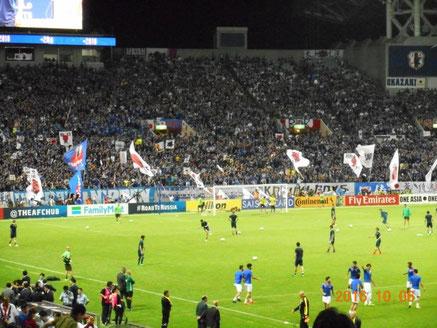 満員の埼玉スタジアムは最高です。