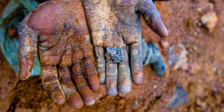 Foto:  Mark Craemer, Blutige Handys - Koltan im Kongo