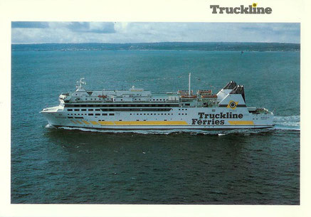 Carte postale officielle de Barfleur dans sa livrée Truckline Ferries.