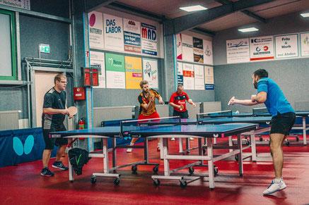 Manuel Jütte, Dennis Scrocca, Michael Schuy und Dieter Wickenkamp stellten ihr Können bereits beim Einspielen unter Beweis.